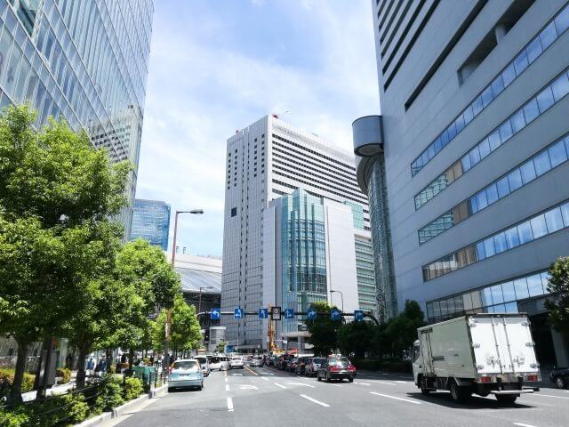 梅田の道路